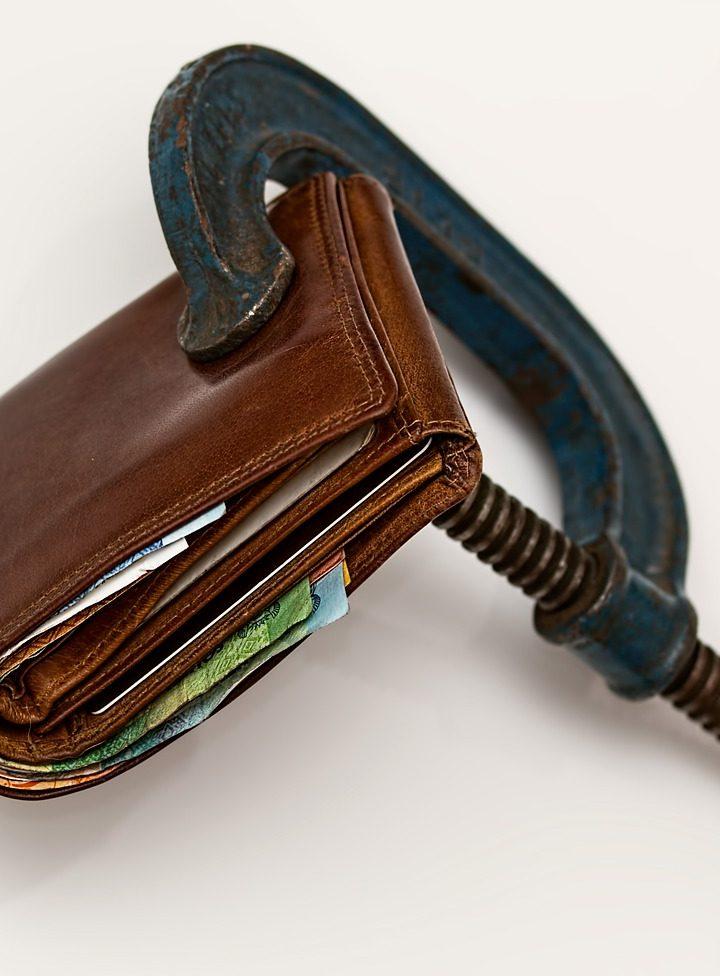 Wciąż rosnące zadłużenie – jak raz na zawsze pozbyć się długów